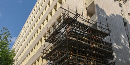 בניין וולפסון למחקר ביולוגי – חיזוק מבנה מפני רעידת אדמה והתחדשותו